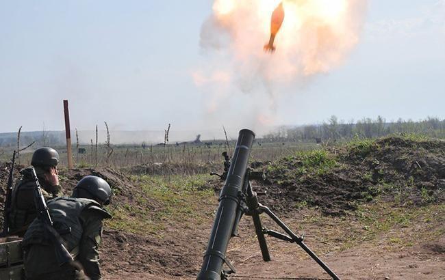 На Донбасі з початку доби бойовики 12 раз обстріляли позиції ООС з мінометів