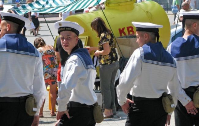 """Российские моряки поднялись на борт """"Мистраля"""", - СМИ"""