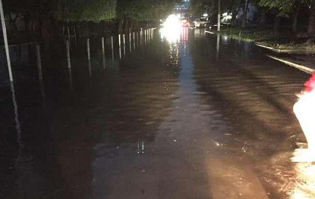 Львів пішов під воду: вражаючі фото і відео затопленого міста