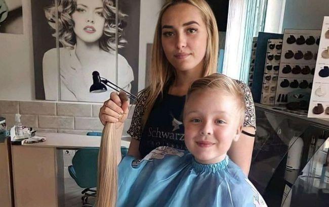 Второклассница из Шепетовки пожертвовала своими волосами ради спасения онкобольной девочки (фото)