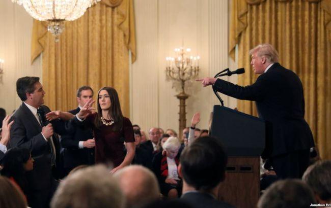 Журналіста CNN позбавили акредитації в Білому домі