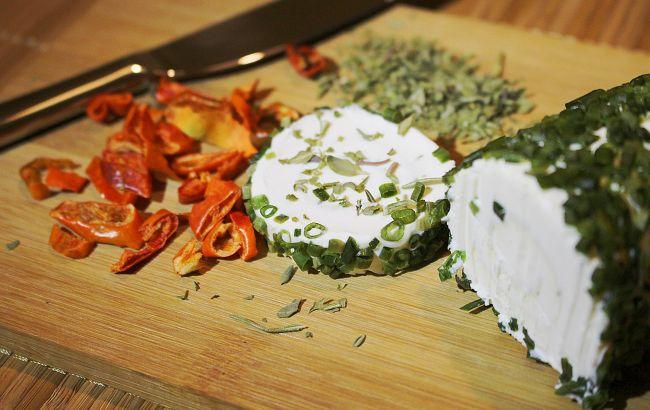 За уши не оттянешь: как легко приготовить плавленый сыр для бутербродов