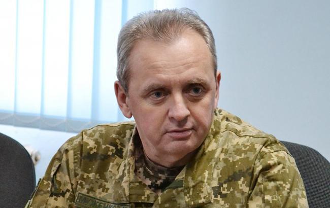 Россия увеличила количество военной техники вблизи границ с Украиной, - Муженко
