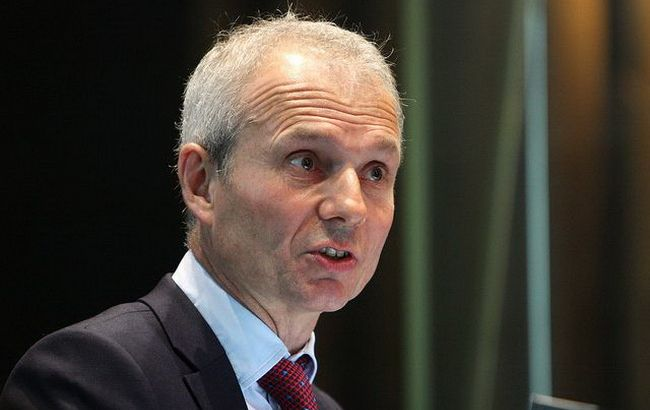 Британский министр призвал Украину провести показательные суды над коррупционерами