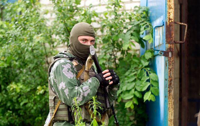 Фото: военный ВСУ в зоне АТО (УНИАН)