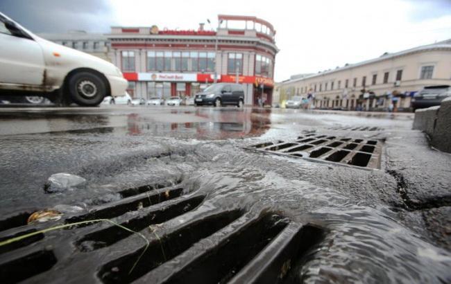 Погода на сьогодні: в Україні місцями дощі, температура до +32