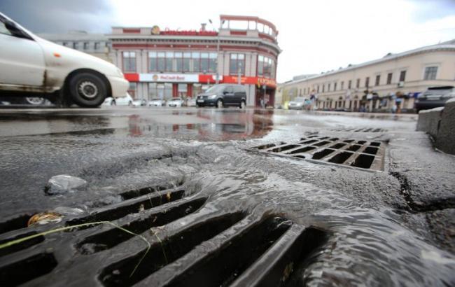 Фото: у Києві очікуються сильні зливи (УНІАН)