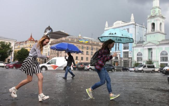 Фото: у Києві очікується гроза (УНІАН)