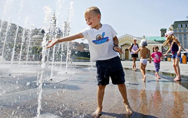 Синоптик: Сегодня вУкраинском государстве будет очень жарко, кое-где пройдут грозовые дожди (КАРТА)