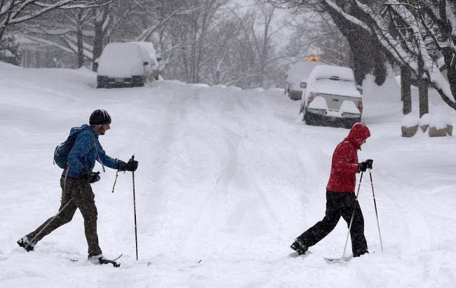Мощный снежный шторм оставил без света более 380 тысяч домов вСША