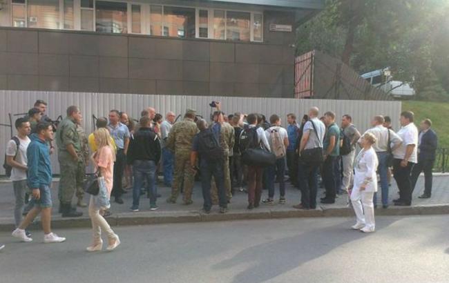 "Фото: Забор возле ""Интера"" (lb.ua)"