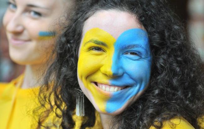 Фото: 60% населения Украины гордится своим гражданством
