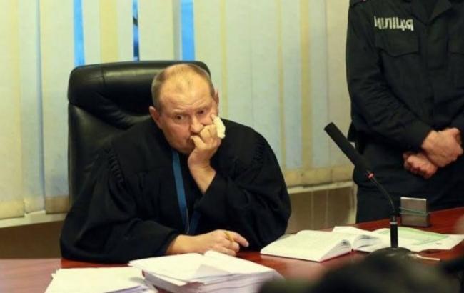 Скандальный судья Чаус попросил президента Молдовы Додона ополитическом убежище