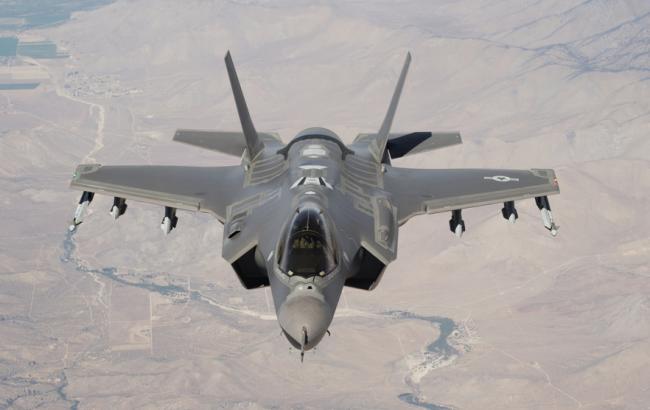 Фото: винищувач-бомбардувальник морської піхоти США