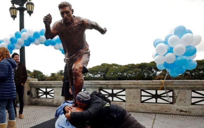 У Буенос-Айресі вандали розбили статую Мессі