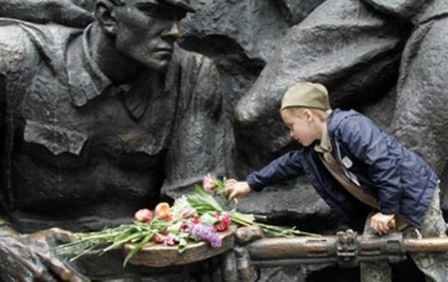 Фото: Годовщина освобождения от фашистских захватчиков (zn.ua)