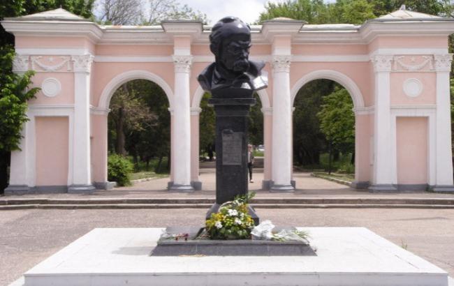 Фото: Пам'ятник Шевченку