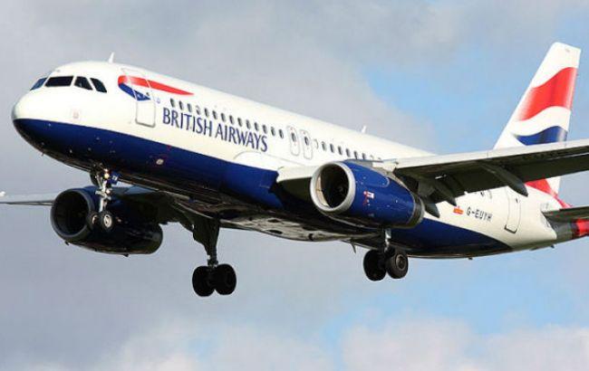 Фото: самолет летел в Лондон