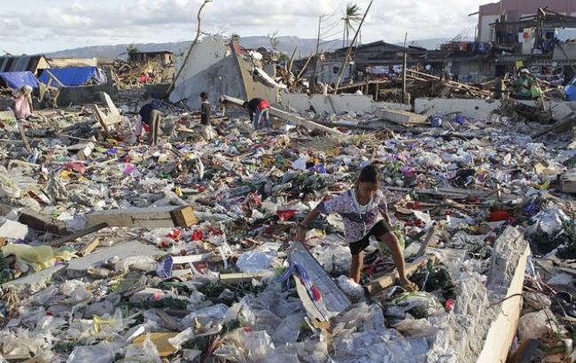 и снова тайфун на Филлипинах унес жизни людей