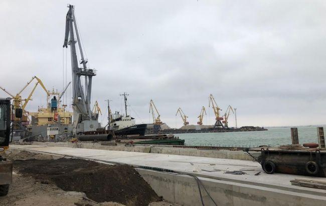 В Одеському морському порту проводять обшуки
