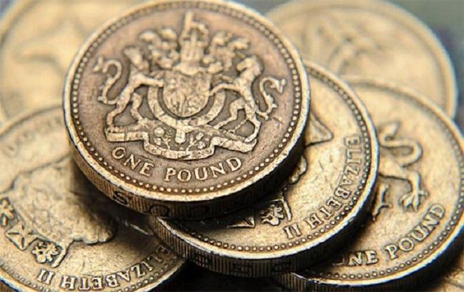 Фунт обвалился до 30-летнего минимума к доллару
