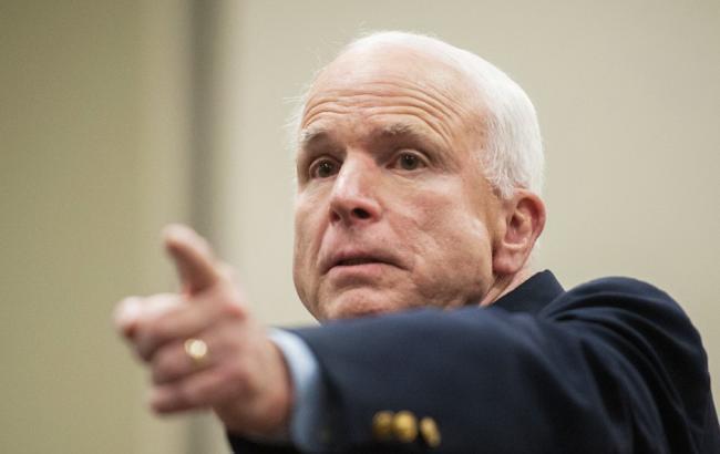 Маккейн заявив про можливість обмежити повноваження Трампа в питанні санкцій проти РФ
