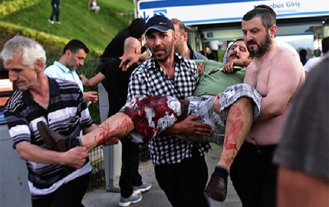 Фото: раненный в результате событий в Турции