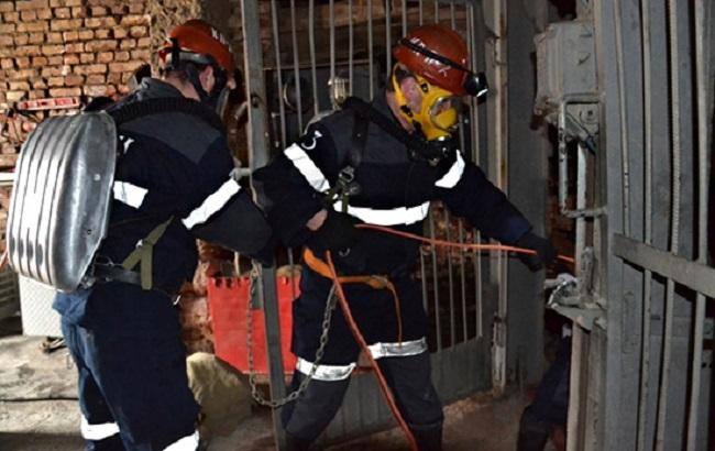 Cотрудники экстренных служб подняли наповерхность тело одного погибшего вшахте под Челябинском