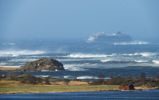 Авария круизного лайнера в Норвегии: почти 300 человек эвакуированы