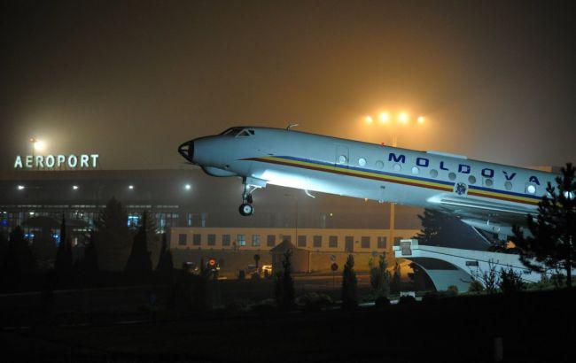 З Молдови представники Демпартії вилетіли чартерними рейсами