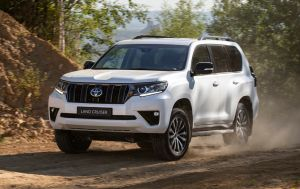 Toyota відкладає випуск нового Land Cruiser Prado