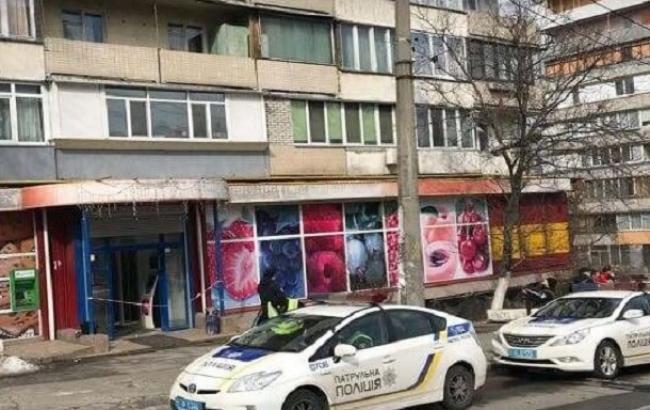 В столичном магазине открыли стрельбу, пострадала женщина