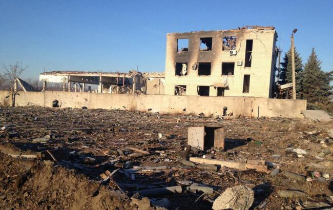 Пиротехники приступили к работам возле складов с боеприпасами в Сватово