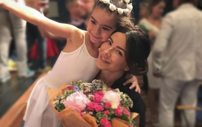 Ани Лорак трогательно поздравила дочь с 6-летием
