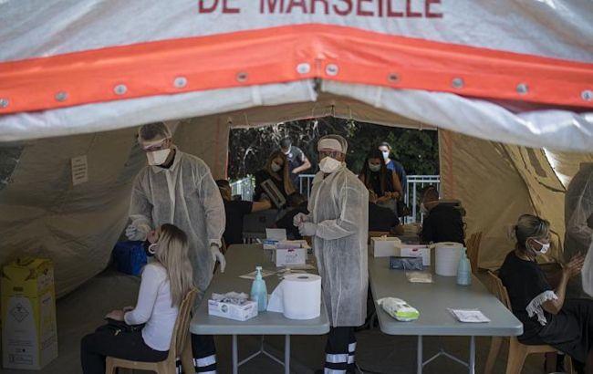 Во Франции и Великобритании установлены антирекорды заболеваемости коронавирусом
