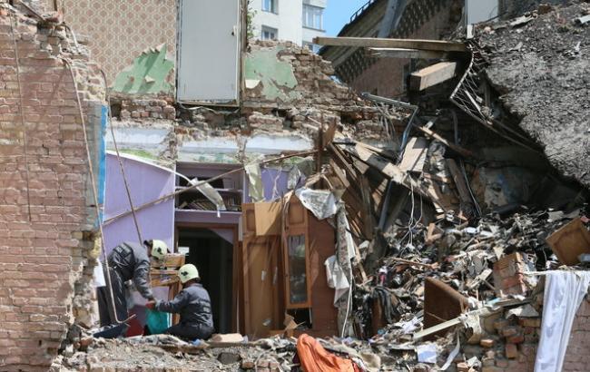 Фото: Обрушенный после взрыва дом (segodnya.ua/А. Яремчук)