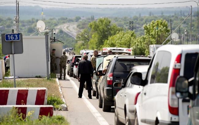 В Донецкой области боевики нарушили режим пропуска на двух КПВВ