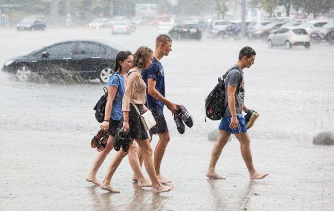Фото: дощ (УНІАН)