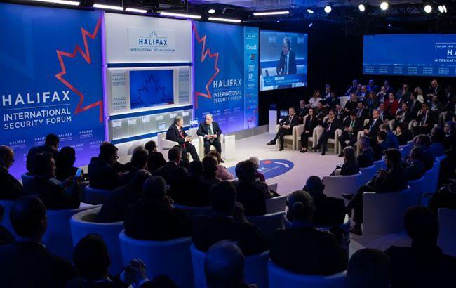 Порошенко примет участие в форуме по вопросам безопасности в Галифаксе