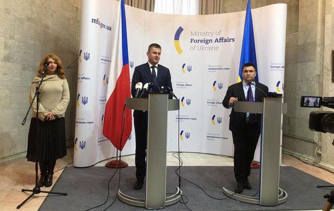 Клімкін обговорив з Петршічеком проблематикуенергетичної безпеки в Європі