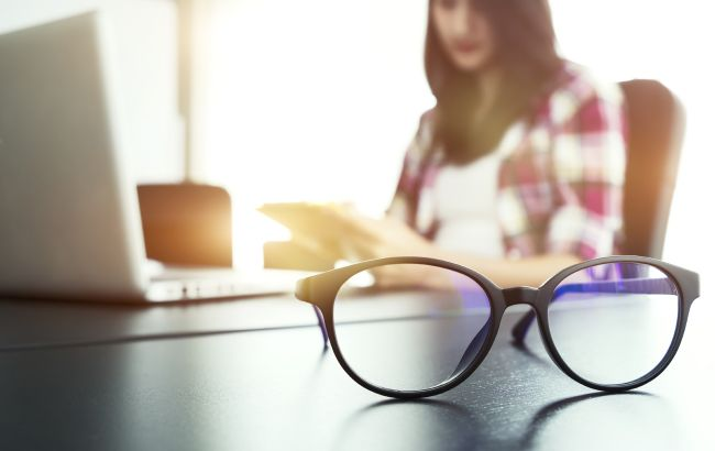 Эти привычки могут лишить вас зрения: что категорически делать нельзя