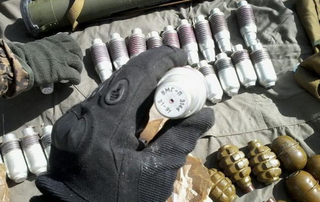 Фото: СБУ виявила дві схованки зі зброєю