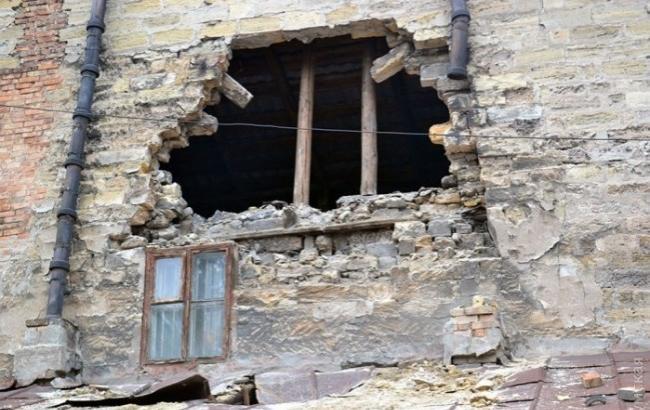 Фото: Дыра в обрушенном доме (dumskaya.net)