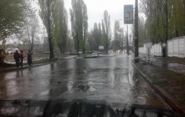 Фото: дождь в Киеве