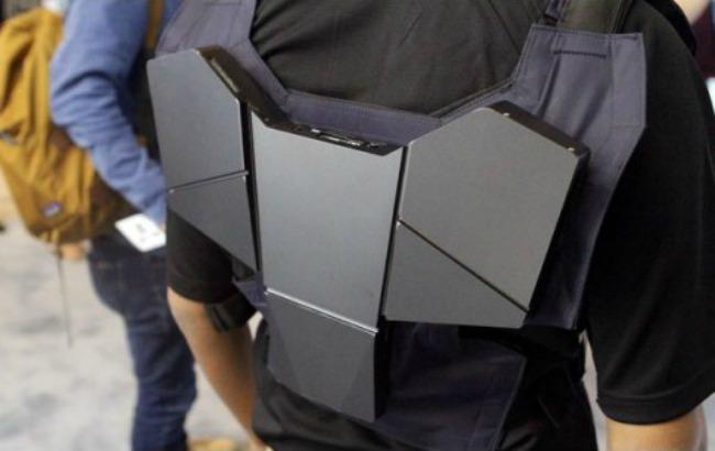 Фото: Intel представила жилет-комп'ютер (grifonsoft.ru)