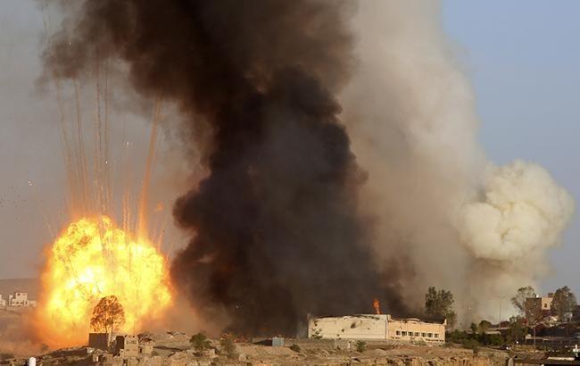 Фото: авиаудар в Йемене (twitter.comMintPress)