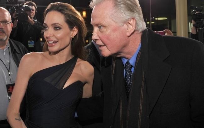 Фото: Анджеліна Джолі і Джон Войт (mobile.ikub.al)