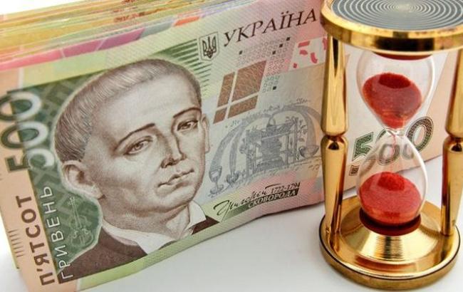 Курс доллара на межбанке в 12:10 понизился - 25,30 гривен