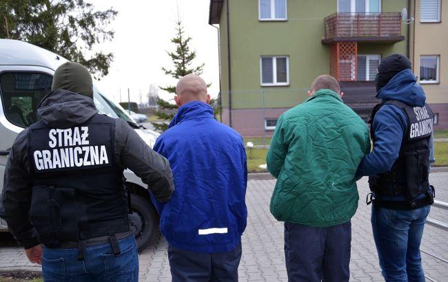 В Польше на границе задержали украинца, которого разыскивали в 190 странах