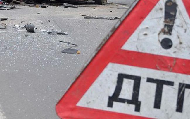 В Полтавской обл. перевернулся пассажирский автобус, погибли 2 человека и 12 пострадали